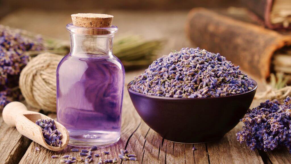 Lavendel und Lavendelöl als Hausmittel gegen Rosacea