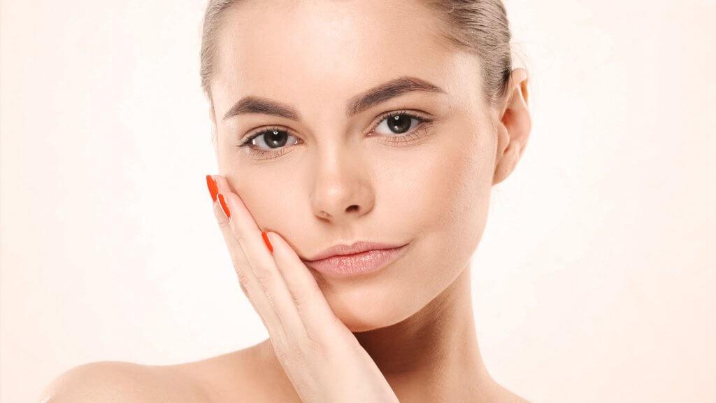 Das Rosacea Gesicht wird sich durch den reduzierten Alkohol Konsum verbessern